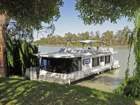 Moving Waters Self Contained Moored Houseboat - Accommodation Kalgoorlie