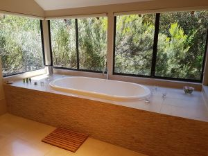 Jarrah Grove Forest Retreat - Accommodation Kalgoorlie